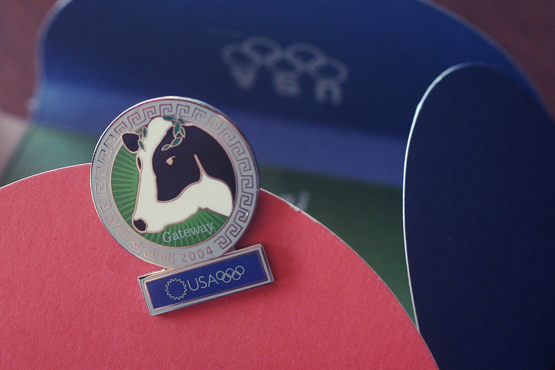 Athens Olympic Pin w/packaging